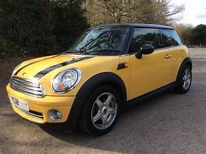 Mini Cooper Pack Chili : 2008 58 mini cooper with chili pack in yellow mrs mini used mini cars for sale ~ Medecine-chirurgie-esthetiques.com Avis de Voitures