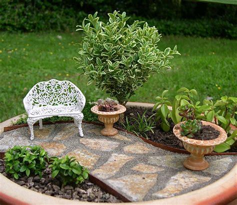 mini indoor garden the mini garden guru from twogreenthumbs
