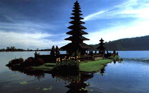 tempat wisata  indonesia yg   kunjungi yopi
