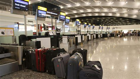 airport workers  stage  hour strike  december