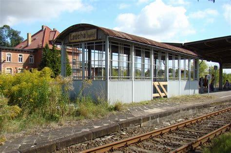 Der Eingang Zur Unterführung Am Bahnsteig In Laucha; 1009