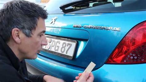 auto aufkleber entfernen wie entferne ich chrombuchstaben autobeschriftung wieder vom auto fahrzeug etc anleitung