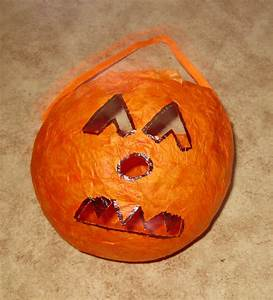 Halloween Sachen Basteln : deko f r halloween basteln basteln halloween kinder party basteln ~ Whattoseeinmadrid.com Haus und Dekorationen