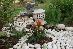 decoration jardin avec cailloux With deco jardin avec cailloux
