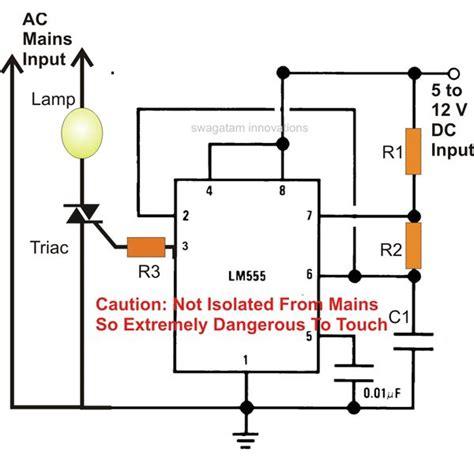 use a bt136 triac and a lm555 to autoswitch ac
