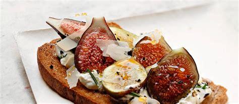 tartines de caillé de brebis figue et miel par alain ducasse le point