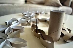 Deko Aus Toilettenpapierrollen : florale wanddekoration basteln mit klopapierrollen ~ Markanthonyermac.com Haus und Dekorationen
