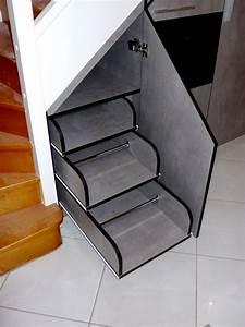 Amenager Sous Escalier : dressing sur mesure yves jaffr agencements ~ Voncanada.com Idées de Décoration