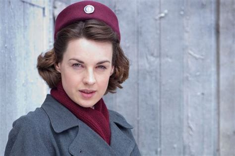 Call The Midwife Star Jessica Raine Vows To Continue