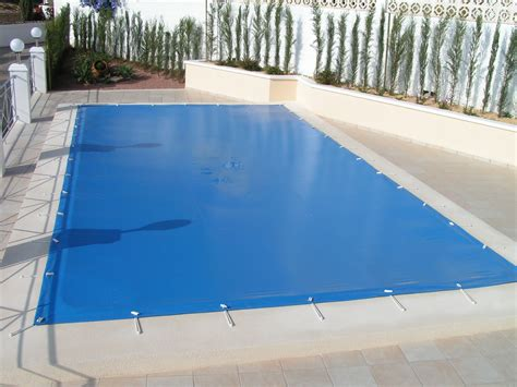 pool cover pictures 5 benefits of a pool cover se pool supply chemical inc