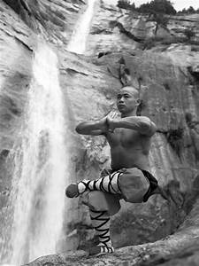 Shaolin Monks Training (18 Amazing Pictures) | Truth ...