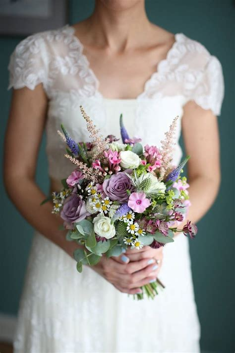 super sweet summer wedding bouquets youll adore