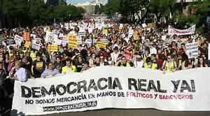 La manifestación de 'indignados' reúne a varios miles de ...