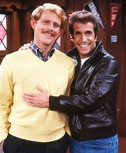Henry Winkler reunites with Happy Days' Ron Howard ahead ...