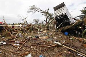 Super storm 'Yolanda' (Haiyan) hits the Philippines