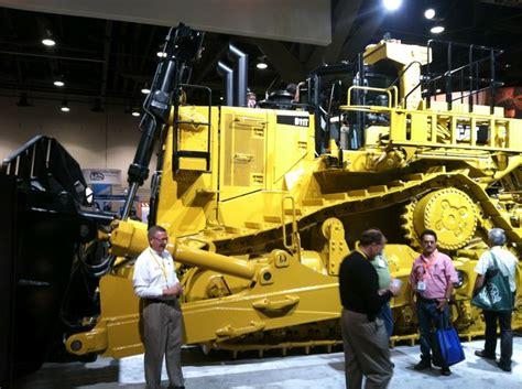 largest caterpillar bulldozer caterpillar booth