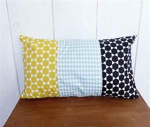 Housse Coussin 30x50 : housse de coussin patchwork 30x50 cm style nordique noir bleu et jaune moutarde textiles et ~ Teatrodelosmanantiales.com Idées de Décoration
