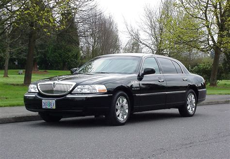 Town Car Service by Portland Town Car Service Be So Lucky Limousine And Town