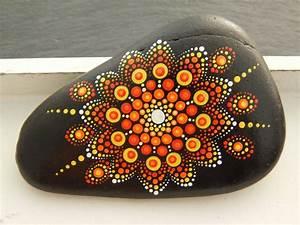 Steine Bemalen Vorlagen : pin von angelika hentrich auf zeichnen mandala steine steine bemalen und steine ~ Orissabook.com Haus und Dekorationen