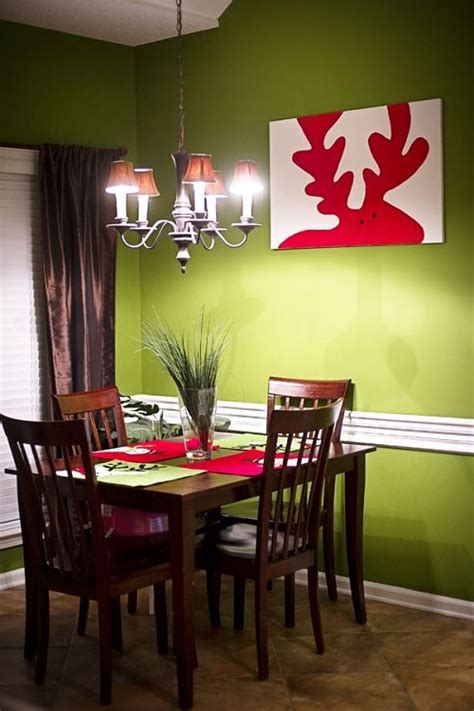 Hang a gallery wall of thrift store finds, cover the walls in patterned paper, or put antiques collections on display—there are countless ways to show off your personality and bring a boring living room to life. 25+ Stunningly Creative DIY Christmas Wall Decorations Ideas