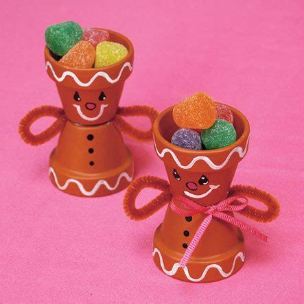 6 gingerbread house crafts favecrafts com