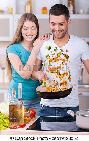 couples amour cuisine images de beau amour cuisine ensemble