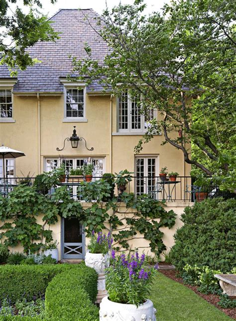 stunning images traditional southern homes garden in a southern setting traditional home