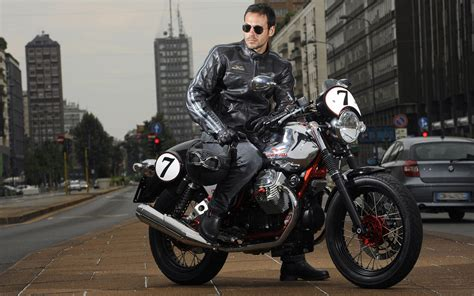 Moto Guzzi V7 Ii Racer Backgrounds by Moto Guzzi V7racer 2011 Wallpapers And Images Wallpapers