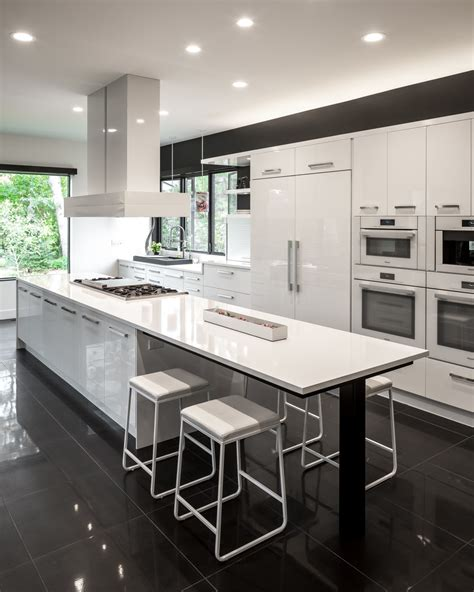 Kitchen Floor Ideas With Black Cabinets by Spectacular Black And White Kitchen Ideas You Can Apply