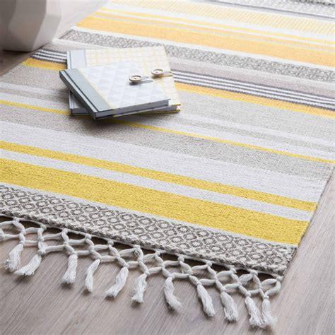 tapis ray 233 en coton jaune gris 60 x 100 cm porto maisons