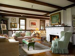 the living room in elinor earle39s candle light cottage in With interior decorators in vermont