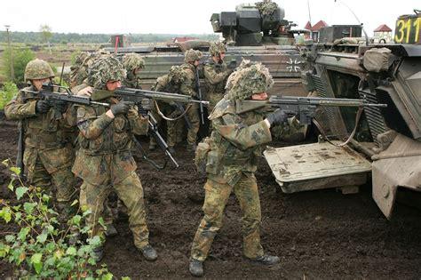 meet  powerful german  assault rifle  national interest