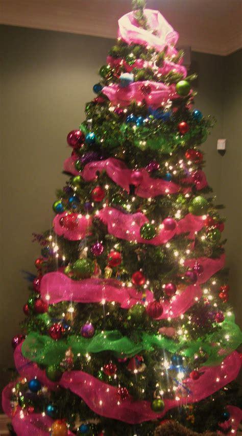 life   savannah pink  green mantel  christmas