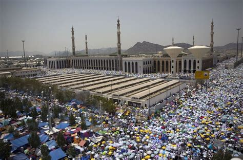 In Mekka Und In Aller Welt Muslime Feiern Das Opferfest