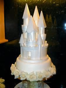 cinderella castle wedding disney cinderella tale wedding cakes disneyfairytales