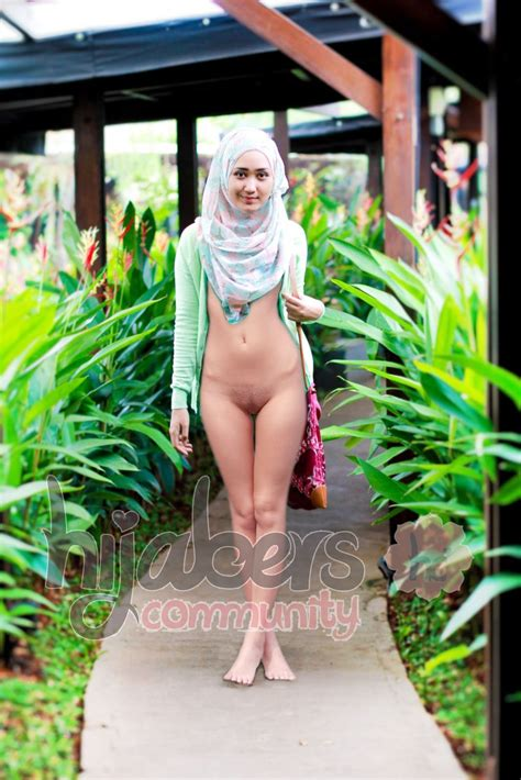 Nude Hijab Girls And Wives Malaysian And indonesian