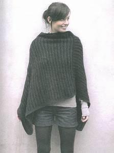 Modele De Tricotin Facile : modele tricot poncho femme poncho knitted poncho ~ Melissatoandfro.com Idées de Décoration