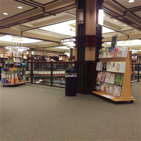 Barnes And Noble Pittsford Ny by Barnes Noble Booksellers 23 Photos 29 Reviews