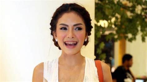 Tribunwiki Ini Aktris Indonesia Yang Blak Blakan Telah