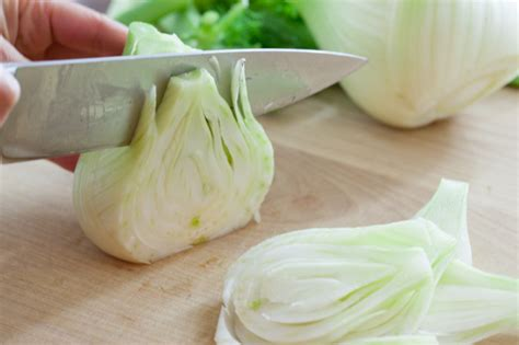chopping fennel fennel bulb health benefits nutrition recipes substitutes how to cook