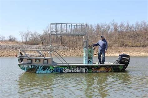 Bowfishing Boat Pontoon by Ams Bowfishing Boats Designs Boats Boats