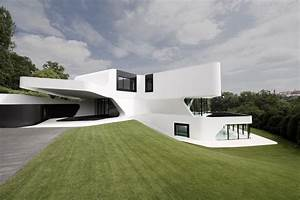 The most futuristic house design in the world digsdigs for Best design houses in the world