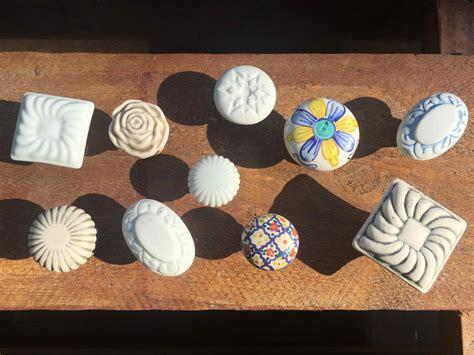 pomelli in ceramica pomelli in ceramica porcellana e maiolica differenze e