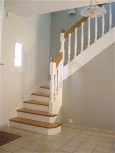 decoration escalier interieur peinture