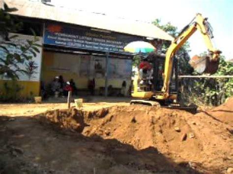 lptm makassar indonesiaoaboperator alat berat excavator