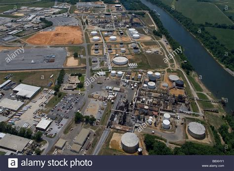 aerial view above Hunt Refining Company, Tuscaloosa ...