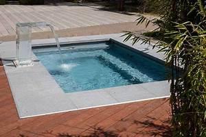 Kleiner Pool Für Terrasse : kleiner pool im garten pool f r kleine grundst cke terrasse in 2019 pinterest ~ Orissabook.com Haus und Dekorationen