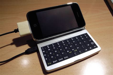 iphone keyboard iphone made to work with palm keyboard