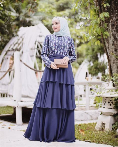 kebaya dress hijab navy  kondangan lebih glamor charming  halaman cewekbanget