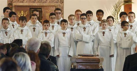 les petits chanteurs 224 la croix de bois obs 232 ques de marcelle mathieu en l 233 glise notre
